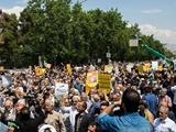راهپیمایی نمازگزاران در محکومیت سیاستهای آمریکا