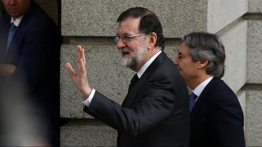 نخست وزیر اسپانیا از قدرت برکنار و پدرو سانچز سوسیالیست جانشین او شد
