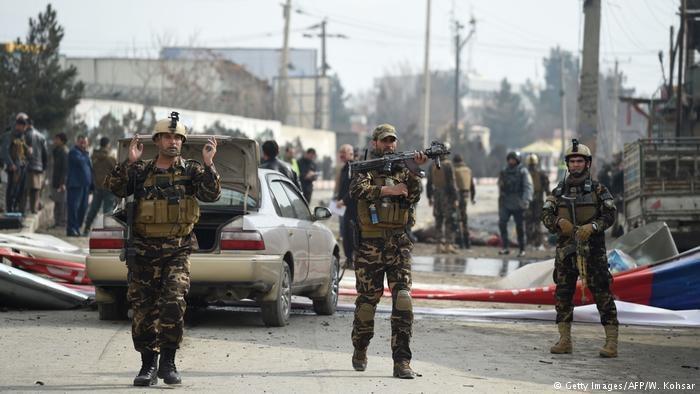 ۱۲ کشته در حمله انتحاری کابل   داعش مسئولیت را بر عهده گرفت