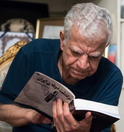 اکبرمنانی | صاحب صدایی که با پوآرو شناخته میشود