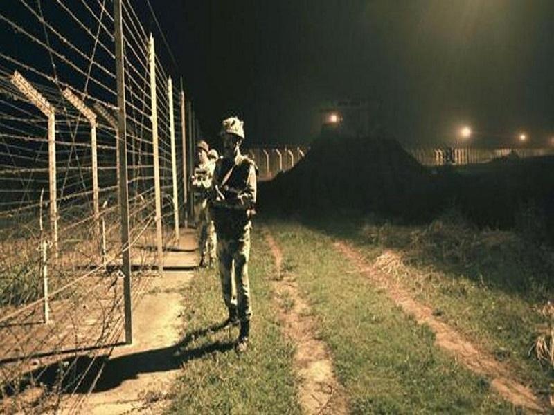 ۴ هندی در تیراندازی مرزبانان پاکستانی کشته شدند