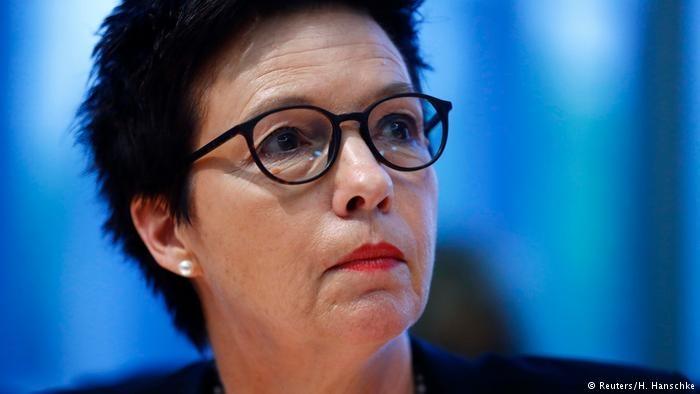 رئیس اداره فدرال آلمان در امور پناهندگی و مهاجرت اخراج شد