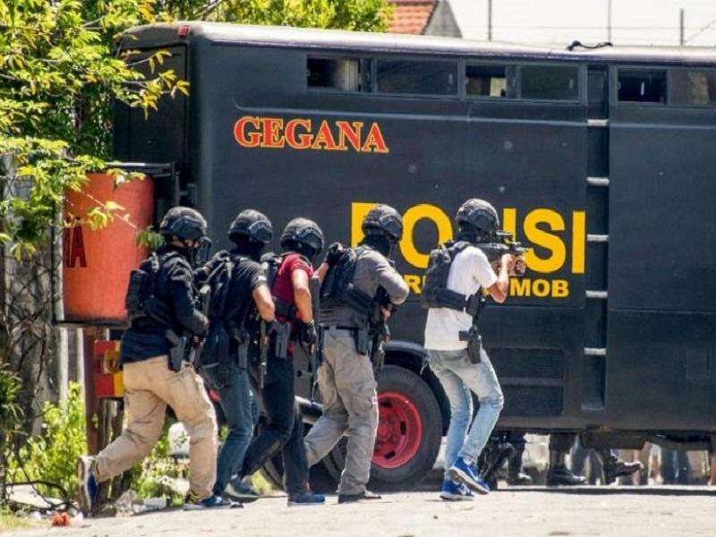 ۱۱۰ تروریست در اندونزی دستگیر شدند