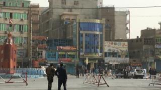 انفجاری انتحاری در جلال آباد افغانستان با ۶۲ کشته و زخمی