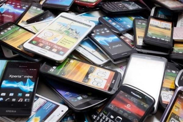 واکنش وزیر ارتباطات به گرانی گوشی موبایل   تخلفات پیگیری میشود