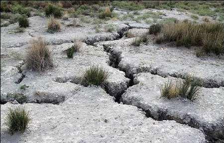 فرسایش سه چهارم از خشکیهای زمین