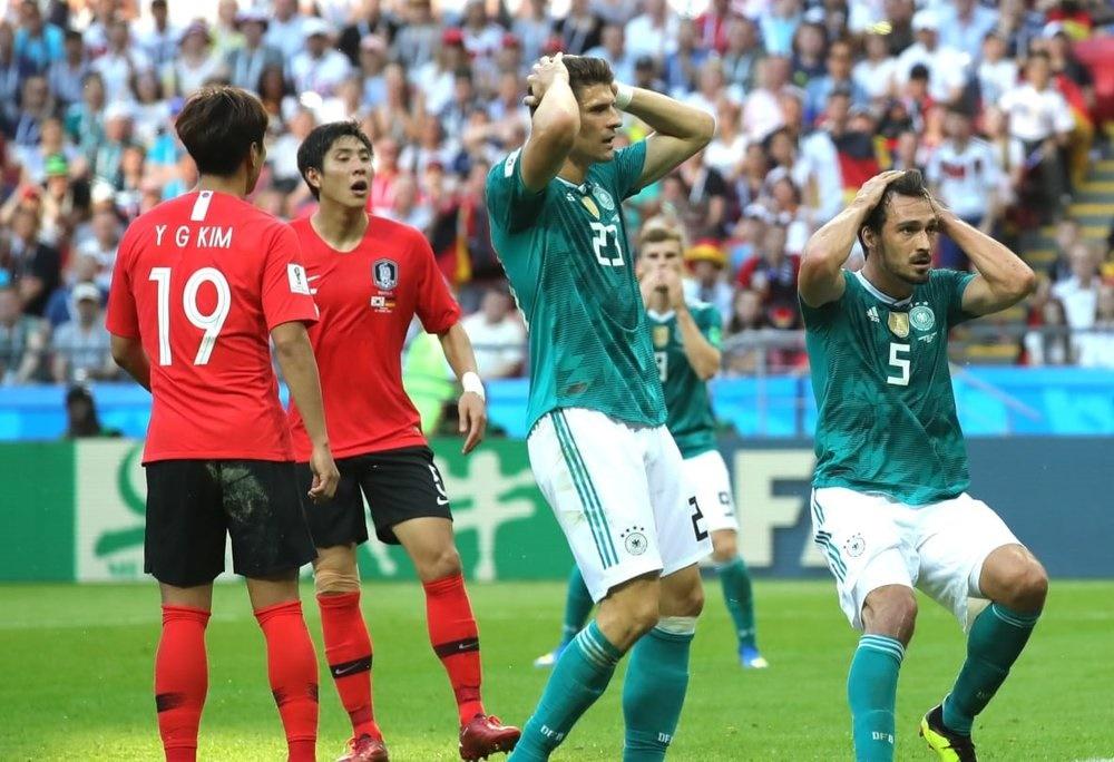 حذف مدعی عنوان قهرمانی با شکست مقابل نماینده آسیا   آلمان صفر - کره جنوبی ۲
