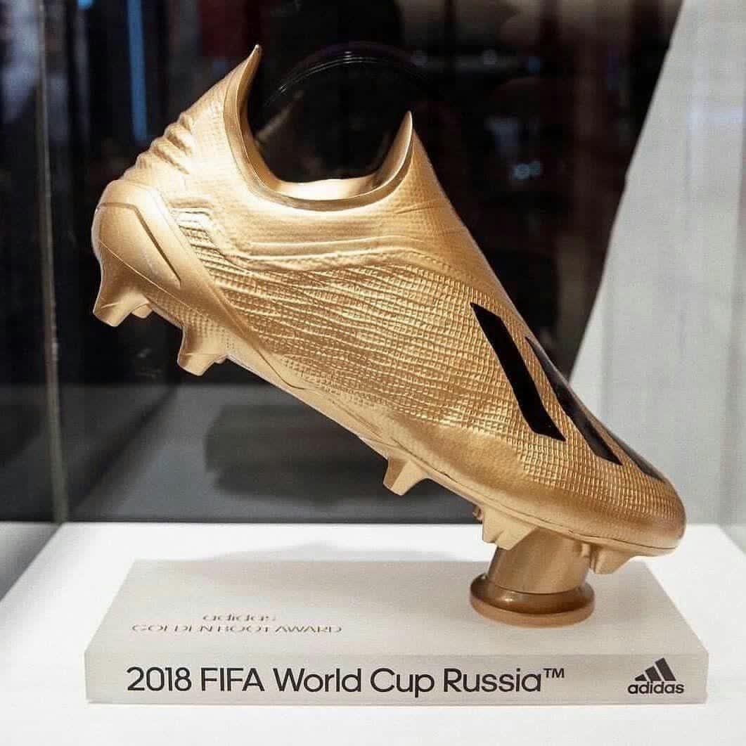 عکس   کفش طلای جام جهانی روسیه ۲۰۱۸