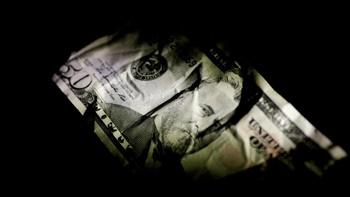نتایج نظرسنجی رویترز   پادشاهی رو به زوال دلار