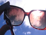 نکته بهداشتی: عینک ضد آفتاب
