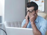 نکته بهداشتی: نشانگان بینایی ناشی از کامپیوتر