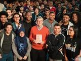 بیل گیتس چهار میلیون نسخه کتاب اینترنتی هدیه میدهد