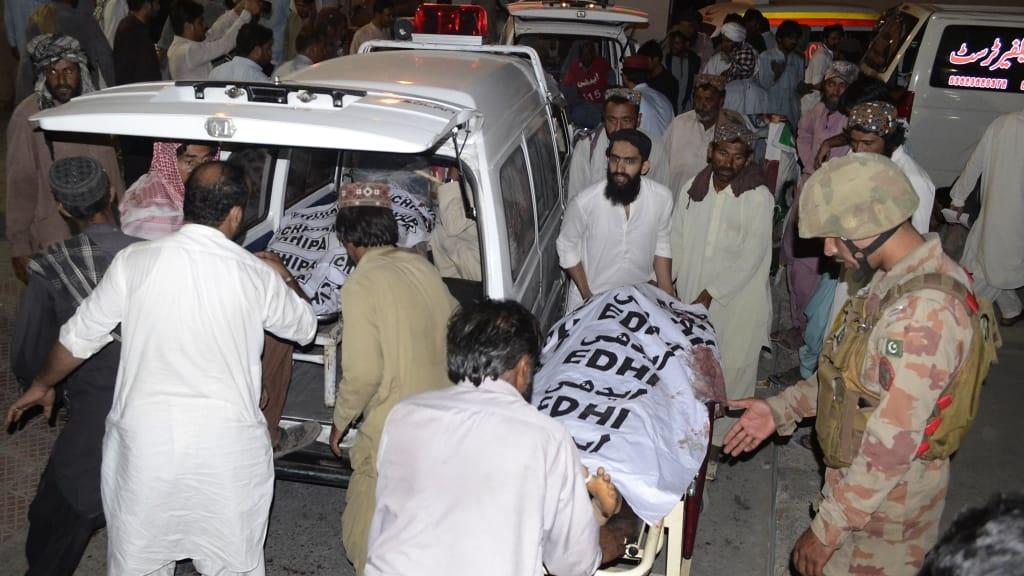 قربانیان انفجاردر مستونگ پاکستان به ۱۳۱ کشته افزایش یافت