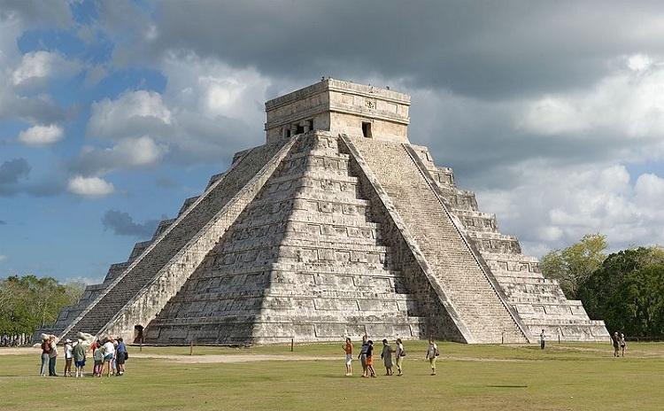 مفاهیم: معماری مایا چیست؟