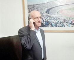 سرپرست استقلال: حسینی بازیکن ماست