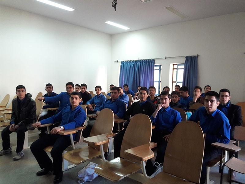 دانش آموزان دبیرستانی
