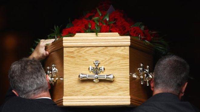بازگشت یک زن به زندگی در سردخانه قبرستان