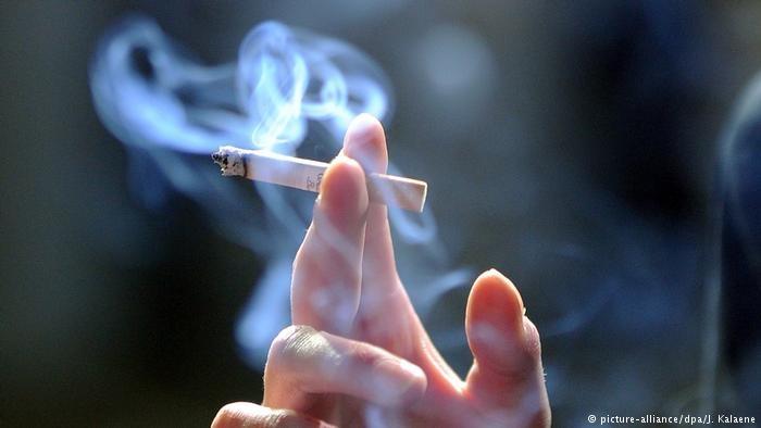 کاهش آمار سیگاریها | نتیجه ۱۰ سال ممنوعیت مصرف دخانیات در اماکن عمومی آلمان