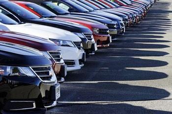 کاهش ۶۷ درصدی شمار و ارزش خودروهای سواری وارداتی در بهار