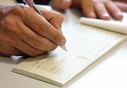 ۱۲ هزار نفر به دلیل صدور چک بی محل در زندان هستند