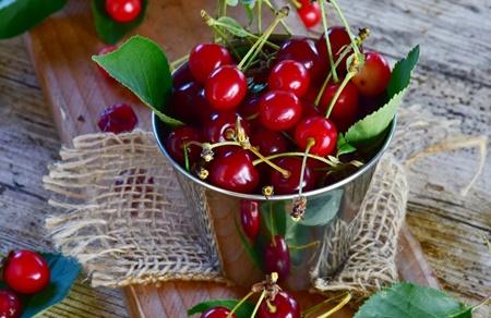 تغذیه,آرتریت روماتوئید,سرطان روده بزرگ,میوه و تره بار,آلبالو,فشار خون,دیابت