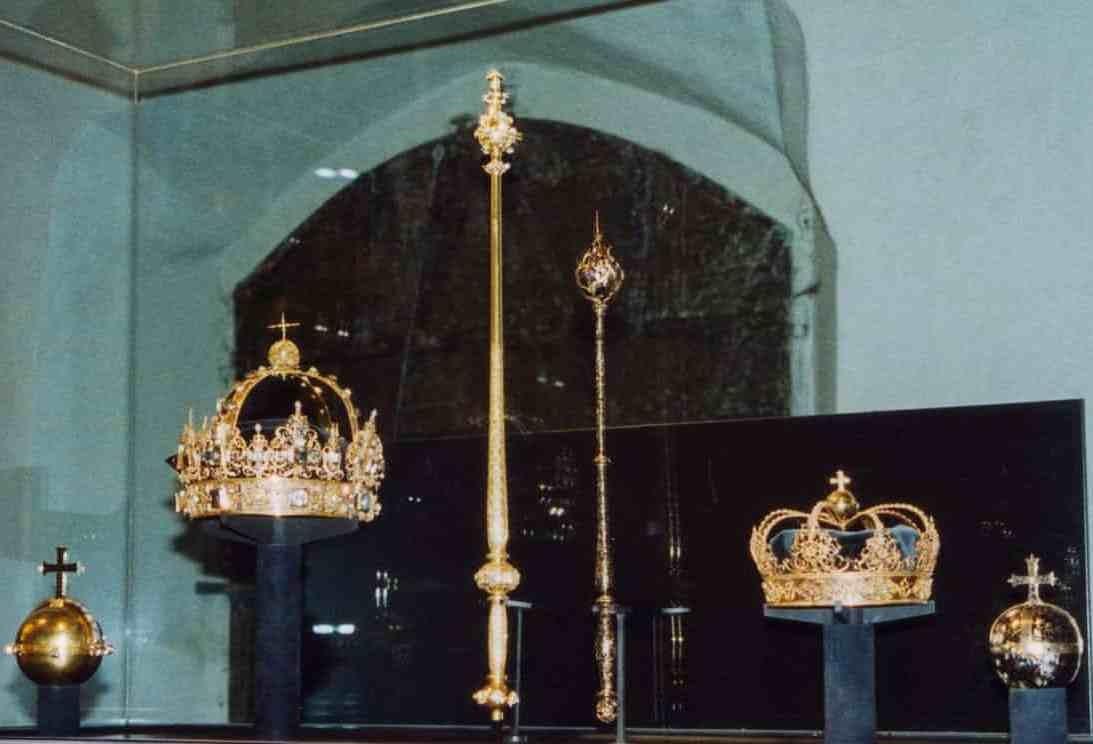 جواهرات سلطنتی سوئد به سرقت رفت