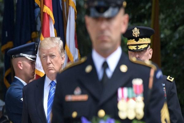 رژه نظامی مورد نظر ترامپ یک سال به تعویق افتاد