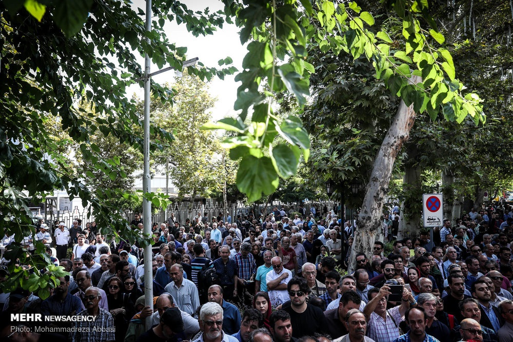 تصاویر مراسم تشییع مرحوم عزت الله انتظامی   بدرقه عزت سینمای ایران