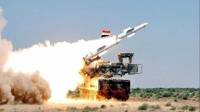پدافند هوایی سوریه یک هدف دشمن را در غرب دمشق منهدم کرد