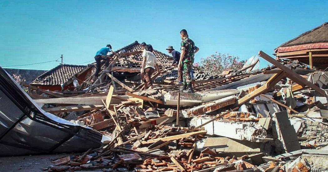۲۳۰ پس لرزه در زلزله اندونزی | شمار قربانیان به ۱۰۰ نفر افزایش یافت