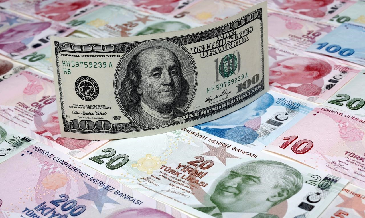 ادامه کاهش ارزش لیر ترکیه در برابر دلار | هر دلار ۵.۳ لیر