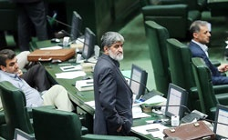 قوه قضائیه صرفا تماشاگر حصر است | احمدینژاد و حامیانش هیزم فتنه را فراهم کردند