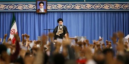 رهبر معظم انقلاب: جنگ نخواهد شد و مذاکره نخواهیم کرد