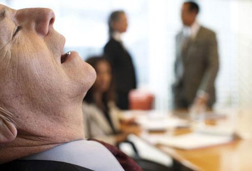 ارتباط خواب آلودگی در طول روز با آلزایمر
