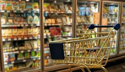 چرا چیزهایی میخریم که به آنها احتیاج نداریم