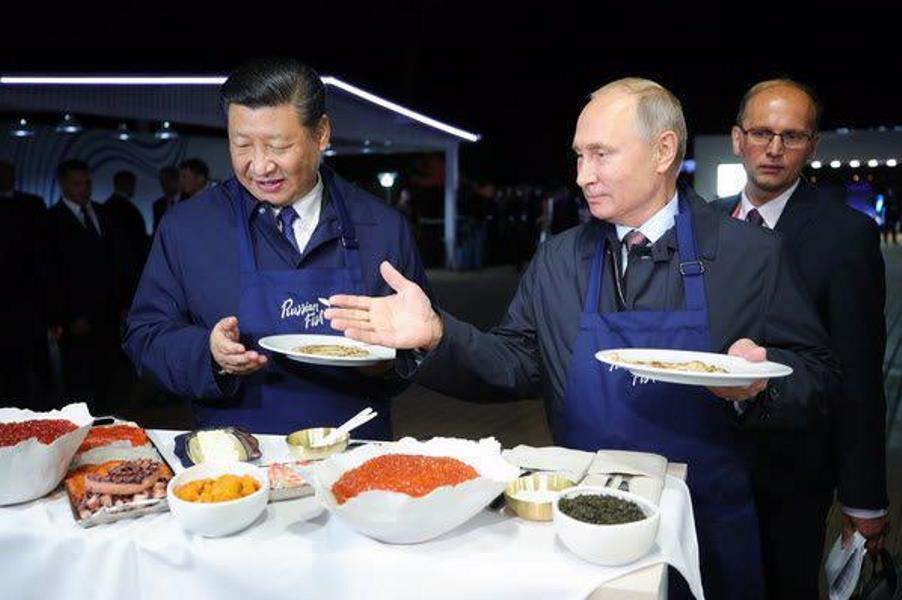 مشارکت چین و روسیه از پختن بلینی تا رزمایش نظامی