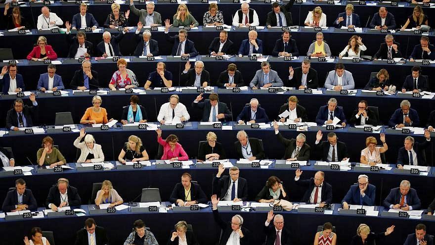 لهستان کنار مجارستان علیه اتحادیه اروپا