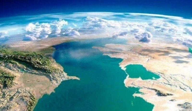 آب دریای خزر یک متر کم شد