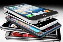 آذری جهرمی: ترخیص ۶۰۰ هزار گوشی آغاز شد | شرایط واردات تسهیل شده است