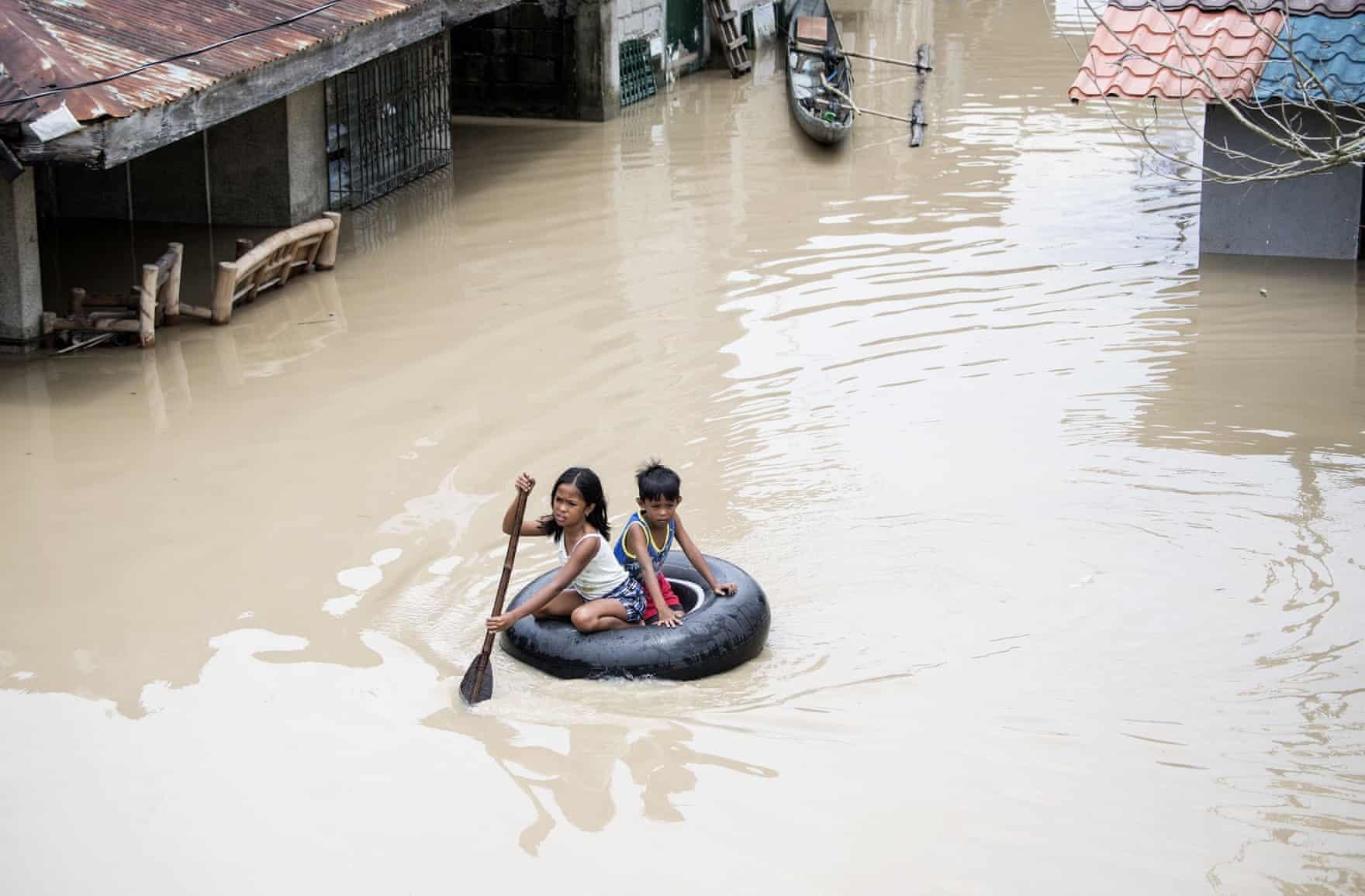 عکس روز: تیوب نجات