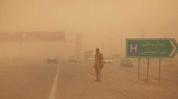 طوفان ۷۸۷ نفر را در سیستان روانه بیمارستان کرد