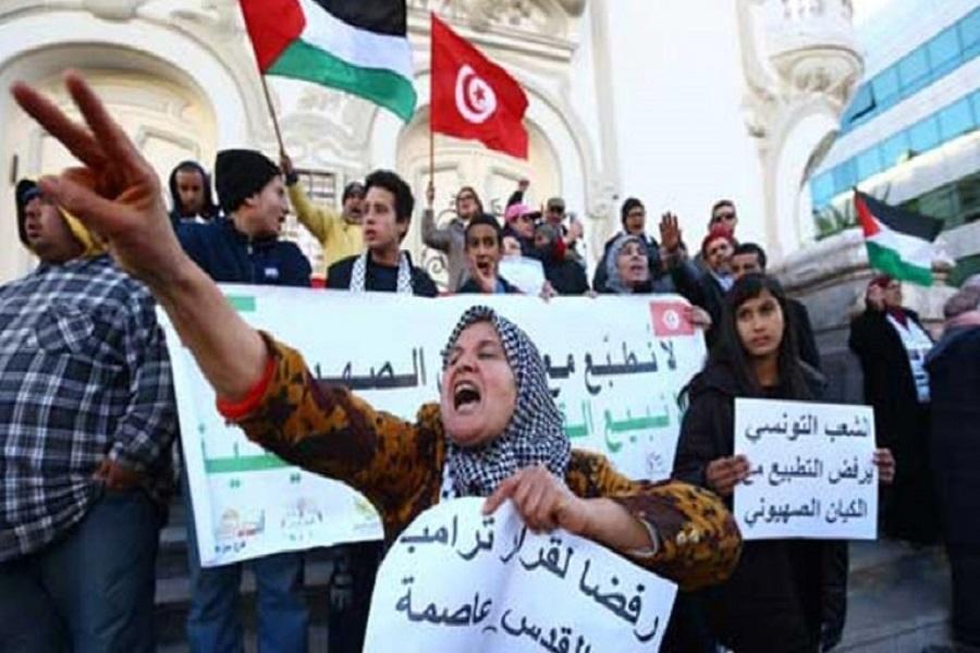 تونسی ها مانع پهلو گرفتن یک کشتی حامل محموله اسراییلی شدند