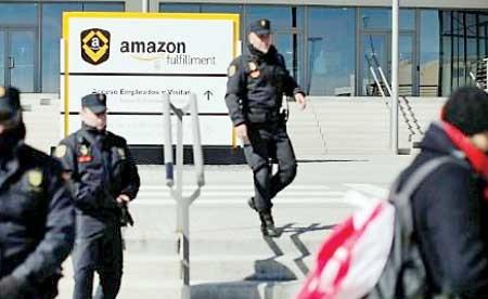 جنگ آمازون با کارمندان جاسوس