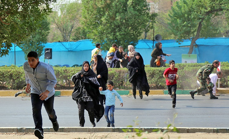 عکس   حمله تروریستی به رژه یگانهای مسلح در مرکز استان خوزستان