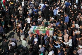 تشییع شهدای حمله تروریستی اهواز | سنگ تمام خوزستانیها در تشییع شهدا