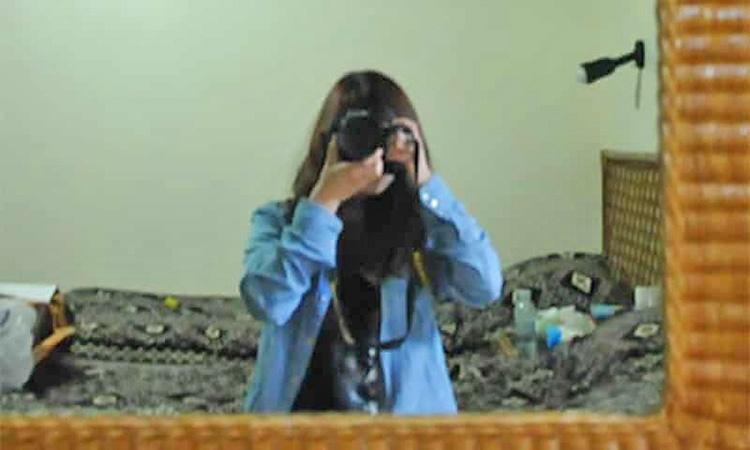 زندانی شدن دختر آمریکایی در کلیسای کره