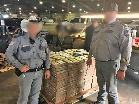 540 بسته کوکایین در 45 جعبه موز | هدیه مرموز به زندانیان تگزاس