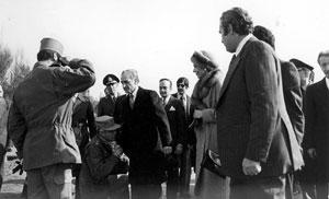 26 دی،1357 روز خروج شاه از ایران