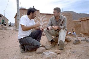 براد پیت و ایناریتو سر صحنه فیلم بابل