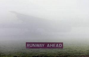 فرودگاه هیتروی لندن دپوشیده با مه غلیظ